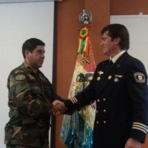 La Policía Nacional de Bolivia galardonó a Jaime Parejo
