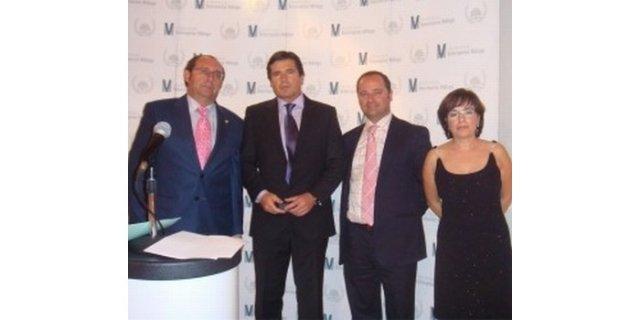 El Ilustre Colegio Oficial de Veterinarios de Málaga, España, otorga su máxima Distinción oficial, la V de Oro, al investigador español Jaime Parejo